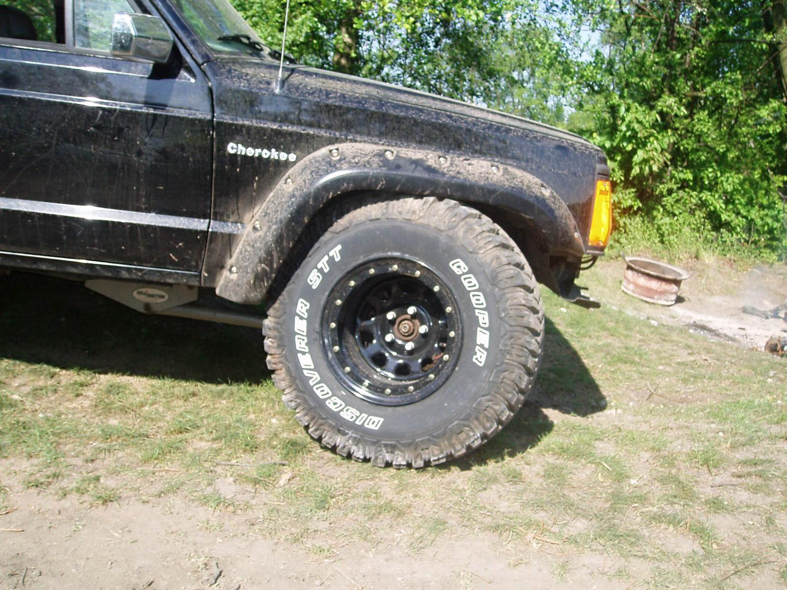 "1989 Jeep Cherokee 4 0 L long arm Fulltraction lift 6"" disky 15"